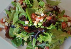 Kelowna Gyms - One Life Fitness Kelowna Nutrition Plans - a healthy salad