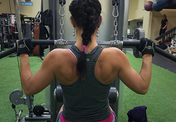 Kelowna Gyms - One Life Personal Training Kelowna - woman doing chest pulls
